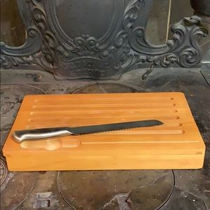 Brand New bread cutting board with knife